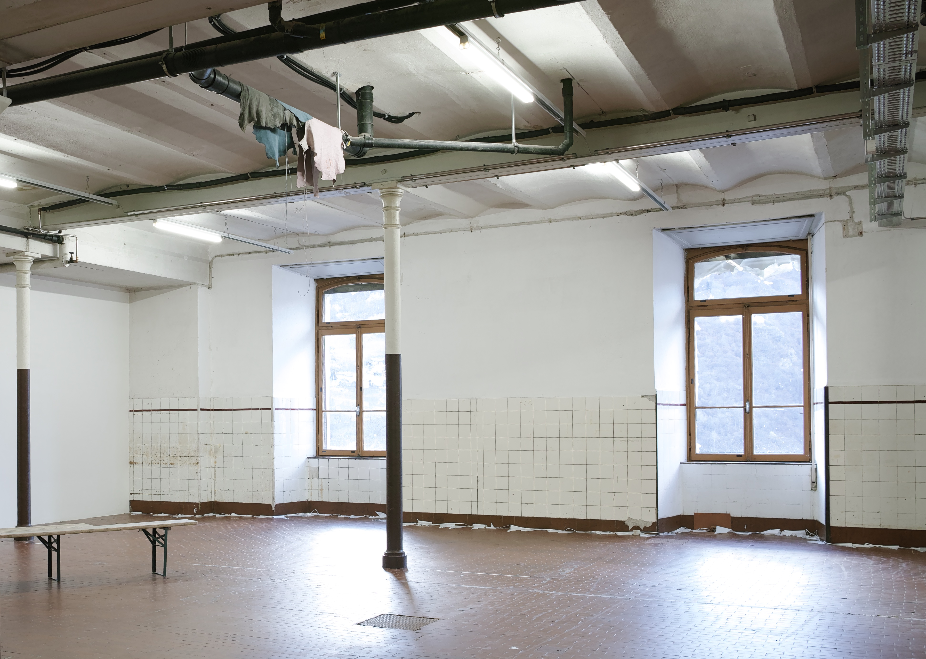 Entanglement, 2017-2018, leather-made pieces (suede), waxed cotton cord, magnets, exhibition view at Chocolate Factory Foundation, Blenio Valley, Switzerland, Walkabout group show 2018